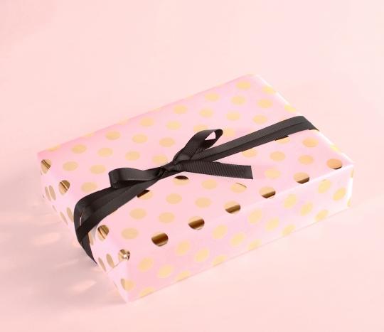 Papier cadeau à pois en papier foil