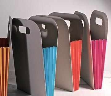 sac en carton avec des soufflets de couleur. Black Bedroom Furniture Sets. Home Design Ideas