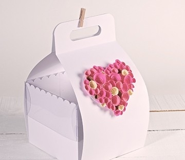 Boîte à gâteau avec poignée