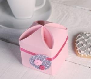 Petite boîte cadeau pour une communion ou d'autres événements