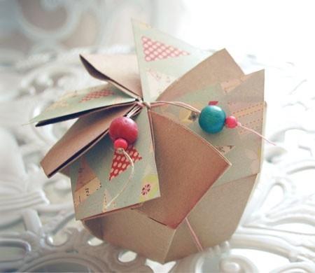 Boîte cadeau ronde en forme de fleur