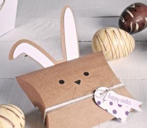 Boîte avec des oreilles de lapin