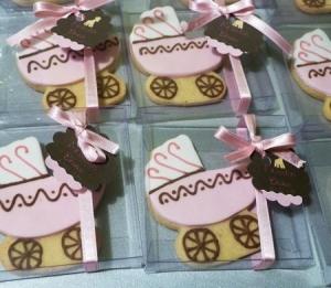 Petite boîte à cookies avec noeud pour une baby shower