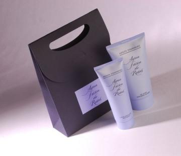 Petit sac pour des cosmétiques et des parfums