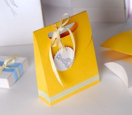 Petit sac avec noeud pour baby shower ou baptême