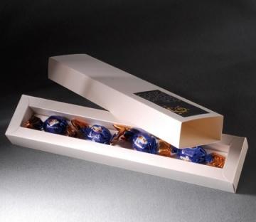Boîte allongée pour des sucreries