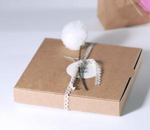 Boîte avec Pompon pour Invitation