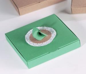 Boîte cadeau avec fleur