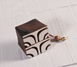 Tampon en bois géométrique 1