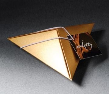 Boîte pyramidal pour cadeaux d'entreprise
