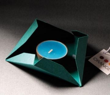 Boîte triangulaire pour des petits cadeaux