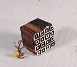 Tampon en bois géométrique 3