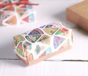 Petite boîte rectangulaire imprimée