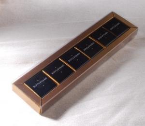 Boîte avec couverture coulissante transparent
