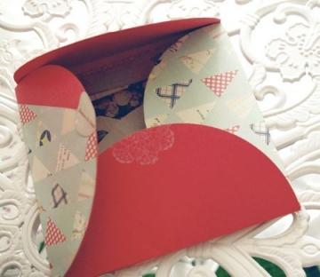 Boîte décorée avec scrapbooking