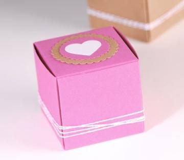 Boîte avec Cœur et Étiquettes