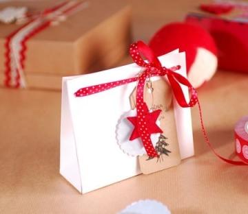 Sac en carton pour cadeaux de Noël