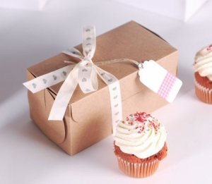 Petite boîte rectangulaire pour deux cupcakes