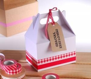Petite boîte de pique-nique blanche decorée