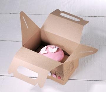 Boîte de pique-nique decorée