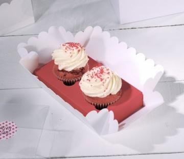 Boîte pour deux cupcakes avec des boutons