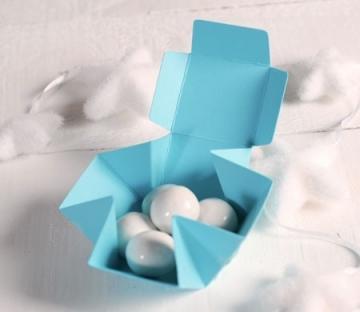 Petite boîte carrée automontable