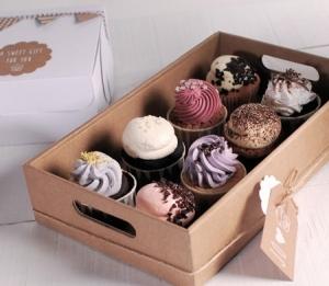 Plateau en carton pour des cupcakes