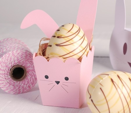 Boîte à pop-corn avec des oreilles de lapin.