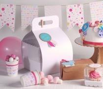 Boîte gâteaux avec poignée en carton