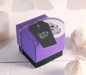 Boîte à bonbons avec compartiments