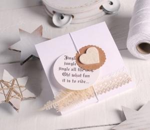 Boîte cadeau plate pour des foulards