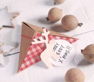 Boîte de Noël pyramidale