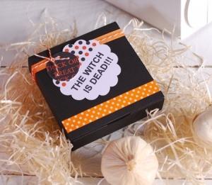 Boîte noire carrée pour Halloween