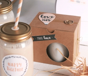 Boîte pour tasses décorée pour la Saint-Valentin