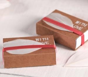 Boîte d'allumettes décorée pour offrir un cadeau