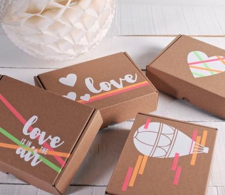Boîte décorée d'un vinyl romantique
