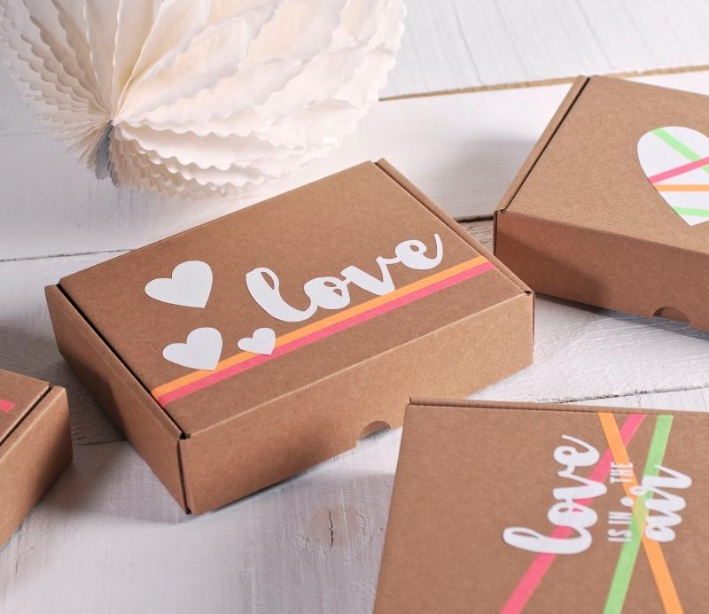 Bo te d cor e avec du vinyle romantique - Boite en carton decoree ...