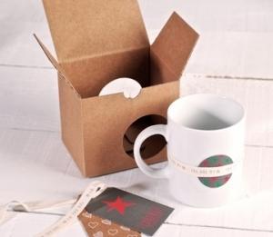 Boîte à tasses décorée
