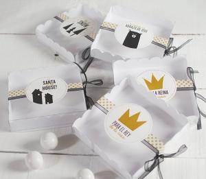 Boîte cadeau décorée pour macarons
