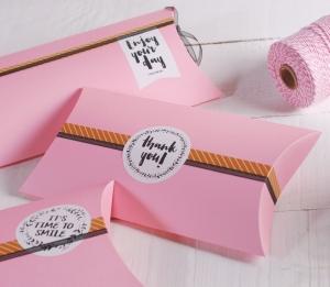 Boîte romantique décoré avec des messages