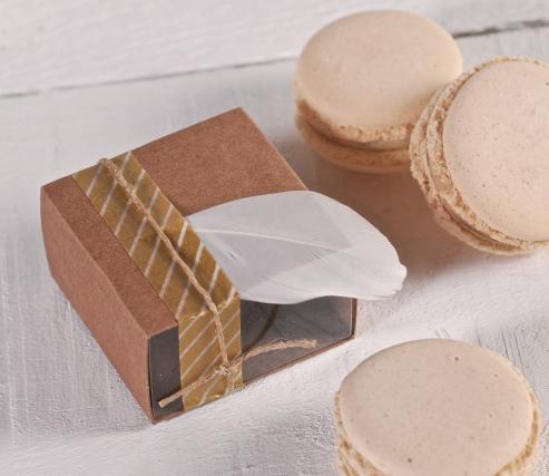 Boîte décorée pour un macaron individuel