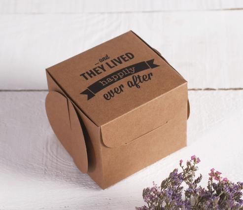 Boîte imprimée pour cadeaux. Ever After