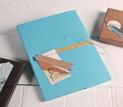 Pochette en carton décorée