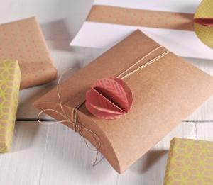 Boîte cadeau bijoux avec fleur