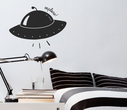 Vinyle d'enfant avec le vaisseau spatial
