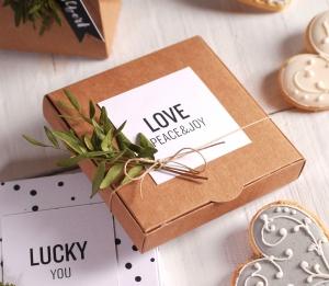 Boîte décorée pour des invitations