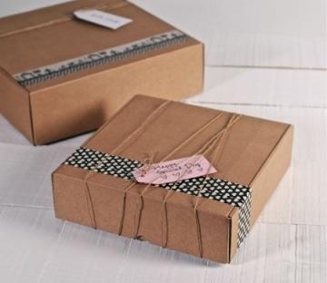 Boîtes en carton carrées