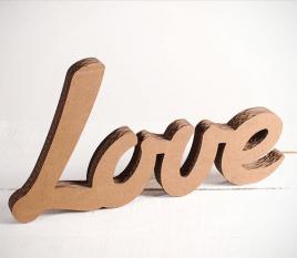 Lettres en cartons LOVE
