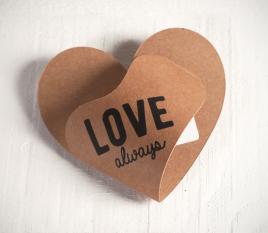 Boîte en forme de cœur pour bons et cartes