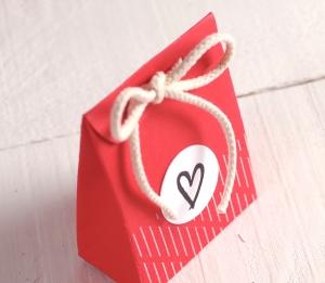 Petit sac rouge avec cœur